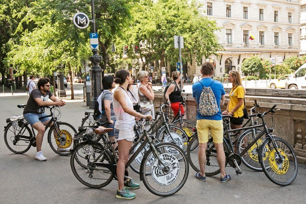 Budapest Evening Bike Ride,Specialty Bike Tour,Szentendre,Bike tour,Yellow zebra tours budapest