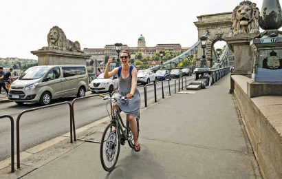 Budapest 4-hour Bike Tour with Cafe Stop