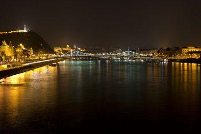 Budapest night,Budapest At Night,Yellow Zebra Budapest,Budapest Tours